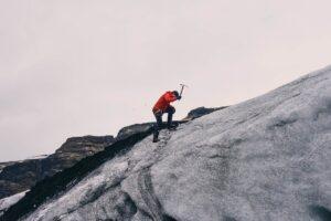 dobry czekan dla alpinisty